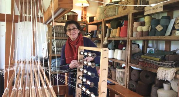 Christine COCQUET dans son atelier