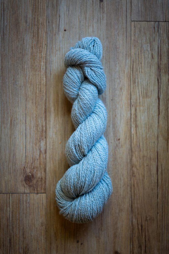 Laine à tricoter Ciel de Baie en écheveau